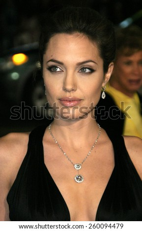 16 November 2004 - Hollywood, California - Angelina Jolie. World premiere of Warner Bros. Pictures' 'Alexander' at Grauman's Chinese Theatre in Hollywood.  - stock photo