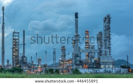 \Oil Refinery factory at sunrise, petrochemical plant, Chemical Industry,  Oil refinery plant at twilight, petrochemical plant in night time, oil refinery industry plant along twilight morning - stock photo