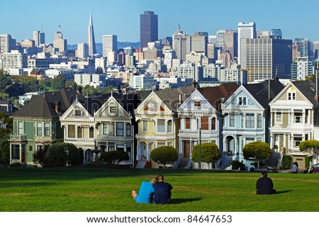 """""""Painted ladies"""" is a term used for Victorian and Edwardian houses .  A view of San Francisco downtown cityscape - stock photo"""