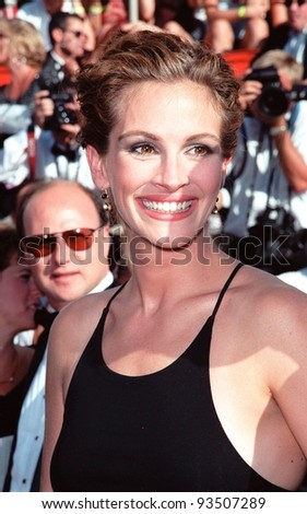 12SEP99: Actress JULIA ROBERTS at the 51st Annual Emmy Awards in Los Angeles.  Paul Smith / Featureflash - stock photo