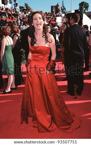 12SEP99: Actress KIM DELANEY at the 51st Annual Emmy Awards in Los Angeles.  Paul Smith / Featureflash