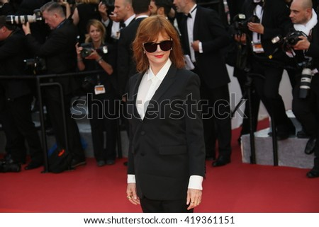 Susan Sarandon attends the 'Cafe Society' premiere and the Opening Night Gala during the 69th Cannes Film Festival at the Palais des Festivals on May 11, 2016 in Cannes, France.