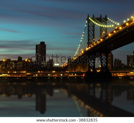 the manhattan bridge in night