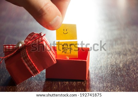 """""""Will you marry me"""" label and box - stock photo"""