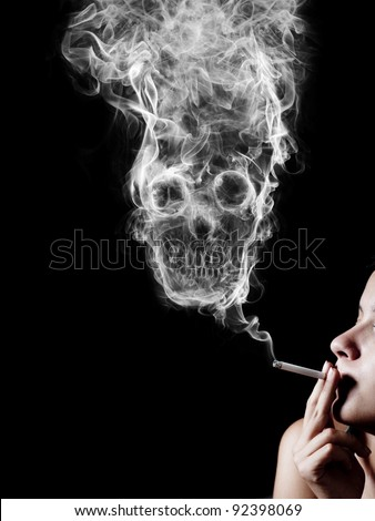 dangers of cigarette smoking Signs and symptoms of cigarette smoking are frequently obvious even to a casual observer besides the confirmatory evidence (a person actually smoking a cigarette in public view), nicotine-stained fingers and teeth, the characteristic smell of smoke impregnated.