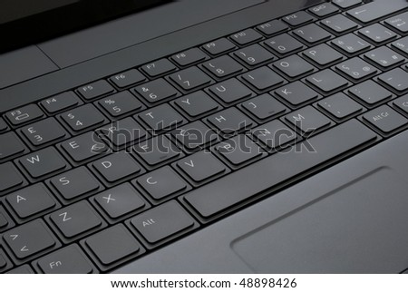 a black  keyboard