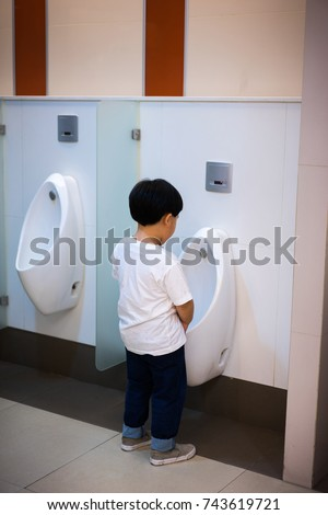 cabin-bathroom-piss-fat-porn-help