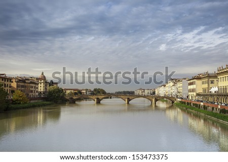 a Florence's view where can we see the river and a famous bridge