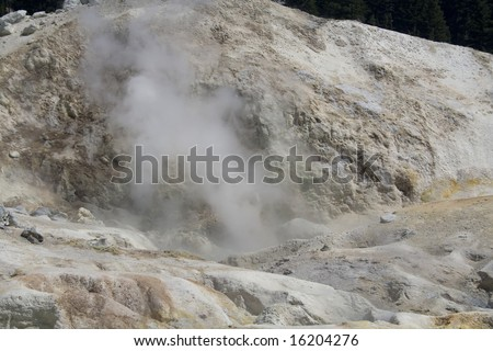A hydrothermal vent spewing steam and volcanic gases in Lassen Volcanic National Park