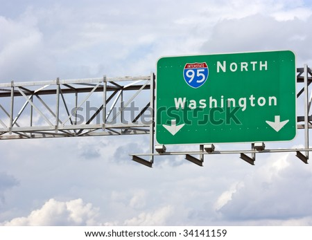 A sign marking the Interstate 95 North route to Washington DC. - stock photo