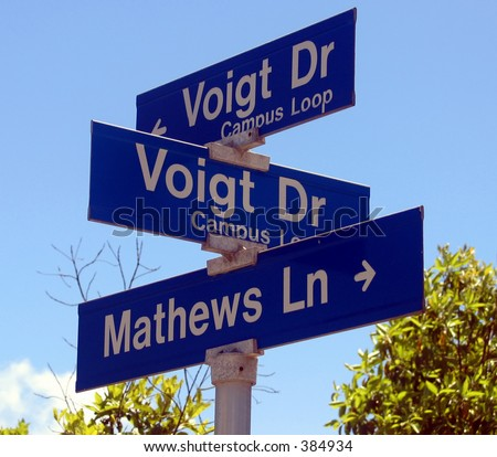 a sign with same street perpendicular to itself