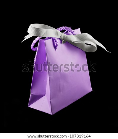 A stylish and elegant jewelery gift bag great for valentines, anniversaries or birthdays