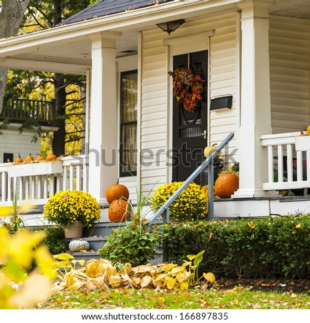 Autumn Home Stock Photos, Royalty-Free Images & Vectors - Shutterstock