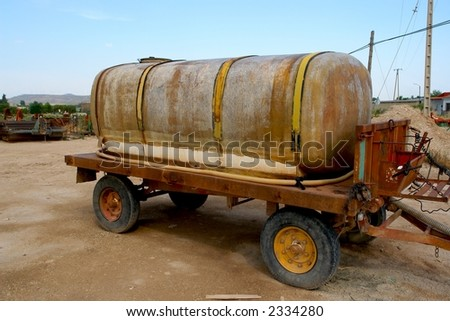 A water tank chariot for use in agriculture.