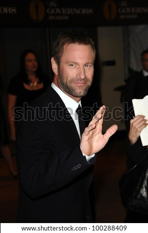 Aaron Eckhart at the  2nd Annual Academy Governors Awards, Kodak Theater, Hollywood, CA.  11-14-10