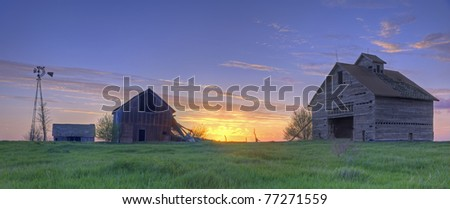 Abandoned Farmhouse And Barns At Sunset