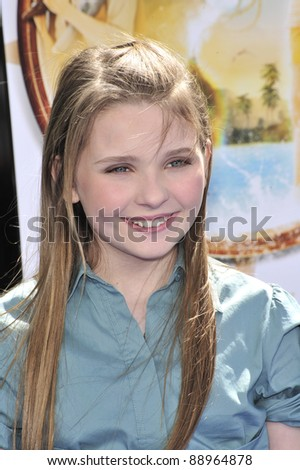 "Abigail Breslin at the world premiere of her new movie ""Nim's Island"" at Grauman's Chinese Theatre, Hollywood. March 30, 2008  Los Angeles, CA Picture: Paul Smith / Featureflash"