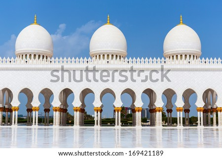 ABU DHABI, UNITED ARAB EMIRATES - NOVEMBER 5: Sheikh Zayed Grand Mosque November 5, 2013 in Abu Dhabi, United Arab Emirates. The famous Sheikh Zayed mosque is the largest mosque in UAE