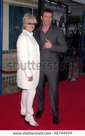 Actor HUGH JACKMAN & actress wife DEBORRA-LEE FURNESS at the Los Angeles premiere of his new movie Swordfish. 04JUN2001.   Paul Smith/Featureflash