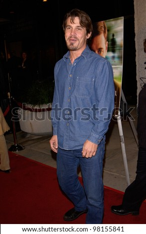 Actor JOSH BROLIN at the world premiere, in Beverly Hills, of A Beautiful Mind. 13DEC2001.  Paul Smith/Featureflash