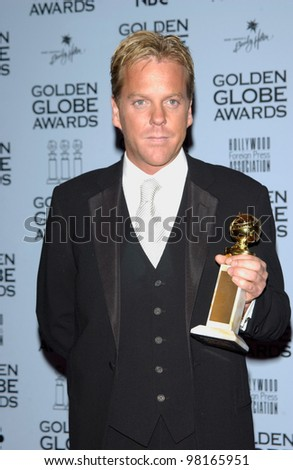 Actor KIEFER SUTHERLAND at the 59th Annual Golden Globe Awards in Beverly Hills. 20JAN2002  Paul Smith/Featureflash