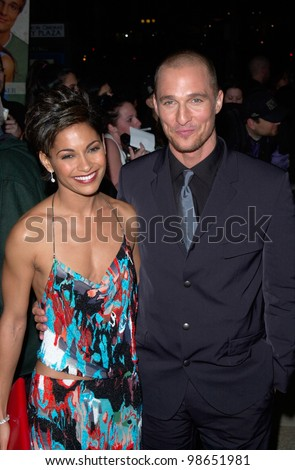 Actor MATTHEW McCONAUGHEY & actress girlfriend SALLI RICHARDSON at the Los Angeles premiere of his new movie The Wedding Planner. 23JAN2001   Paul Smith/Featureflash
