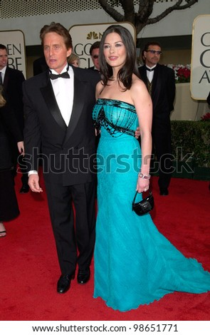 Actor MICHAEL DOUGLAS & actress wife CATHERINE ZETA-JONES at the 2001 Golden Globe Awards at the Beverly Hilton Hotel. 21JAN2001.   Paul Smith/Featureflash