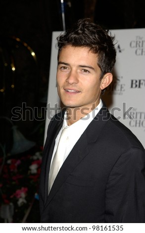 Actor ORLANDO BLOOM at the Broadcast Film Critics Association's 7th Annual Critics Choice Awards at the Beverly Hills Hotel. 11JUN2002.  Paul Smith/Featureflash