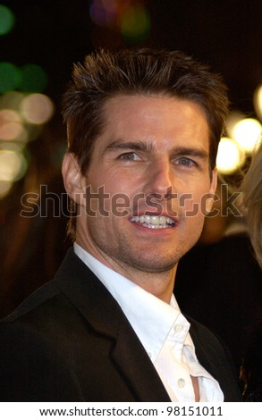 Actor TOM CRUISE at the world premiere, in Hollywood, of his new movie Vanilla Sky. 10DEC2001.   Paul Smith/Featureflash - stock photo