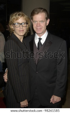 Actor WILLIAM H. MACY & actress wife FELICITY HUFFMAN at the 55th Annual WRITERS GUILD AWARDS at the Beverly Hills Hilton. March 8, 2003   Paul Smith / Featureflash - stock photo