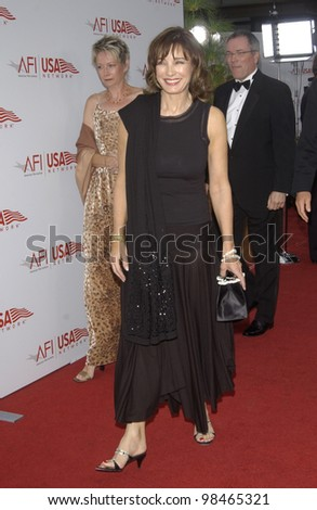 Actress ANNE ARCHER at the AFI Life Achievement Award Gala, in Hollywood, honoring Robert De Niro. June 12, 2003