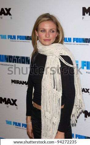 Actress CAMERON DIAZ at the Los Angeles premiere of her new movie Gangs of New York. 17DEC2002.    Paul Smith/Featureflash - stock photo