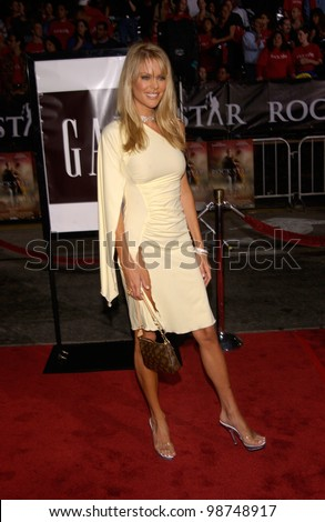 Actress & former Playboy Playmate HEIDI MARK at the Los Angeles premiere of her new movie Rock Star. 04SEP2001.   Paul Smith/Featureflash