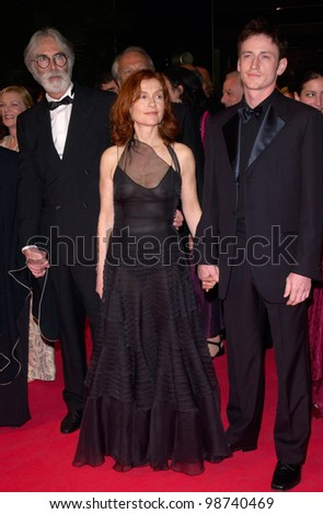 Actress ISABELLE HUPPERT with director MICHAEL HANEKE (left) & co-star BENOIT MAGIMEL at the Cannes Film Festival for the premiere of their new movie The Pianist. 14MAY2001.   Paul Smith/Featureflash