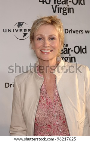 Actress JANE LYNCH at the world premiere of her new movie 40 Year-Old Virgin, at the Arclight Theatre, Hollywood. August 11, 2005  Los Angeles, CA  2005 Paul Smith / Featureflash