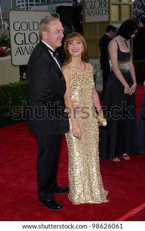Actress JANE SEYMOUR & husband JAMES KEACH at the 2001 Golden Globe Awards at the Beverly Hilton Hotel. 21JAN2001.   Paul Smith/Featureflash