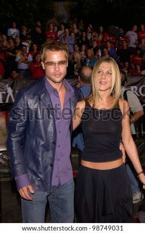 Actress JENNIFER ANISTON & actor husband BRAD PITT at the Los Angeles premiere of her new movie Rock Star. 04SEP2001.   Paul Smith/Featureflash - stock photo