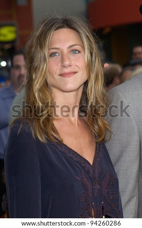 Actress JENNIFER ANISTON at the world premiere, in Hollywood, of The Bourne Identity. 06JUN2002.  Paul Smith / Featureflash - stock photo