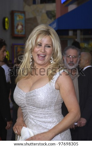 Actress JENNIFER COOLIDGE at the world premiere of her new movie American Wedding, at Universal Studios, Hollywood. July 24, 2003  Paul Smith / Featureflash