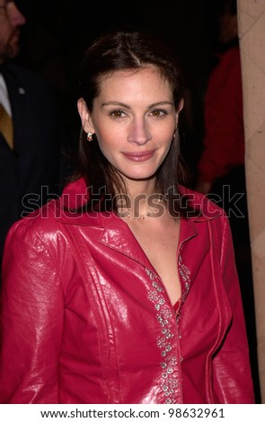 Actress JULIA ROBERTS at the Los Angeles Film Critics Awards in West Hollywood. 17JAN2001  Paul Smith/Featureflash - stock photo