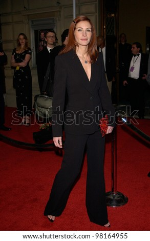 Actress JULIA ROBERTS at the 28th Annual People's Choice Awards in Pasadena. 13JAN2002.  Paul Smith/Featureflash - stock photo