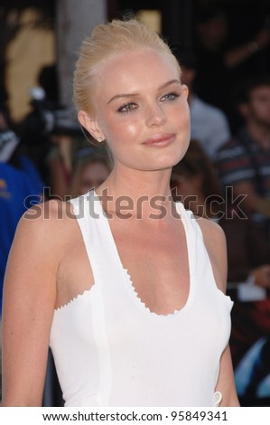 "Actress KATE BOSWORTH at the world premiere of her new movie ""Superman Returns"" in Los Angeles. June 21, 2006  Los Angeles, CA  2006 Paul Smith / Featureflash"