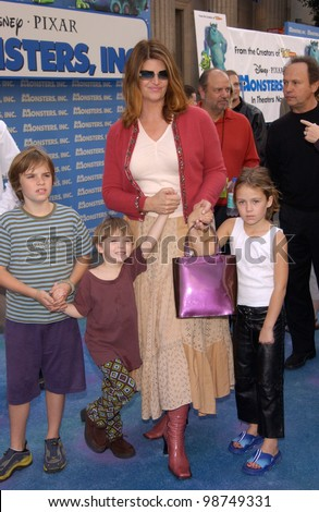 Actress KIRSTIE ALLEY & kids at the world premiere of Disney/Pixar's Monsters, Inc., at the El Capitan Theatre, Hollywood. 28OCT2001.   Paul Smith/Featureflash