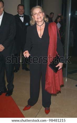 Actress LAUREN BACALL at the 18th Annual American Cinematheque Gala honoring Nicole Kidman. November 14, 2003  Paul Smith / Featureflash