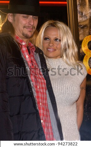Actress PAMELA ANDERSON & pop star boyfriend KID ROCK at the world premiere of 8 Mile, in Los Angeles. 06NOV2002.   Paul Smith / Featureflash
