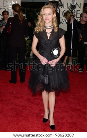 Actress REESE WITHERSPOON at the 2001 Golden Globe Awards at the Beverly Hilton Hotel. 21JAN2001.   Paul Smith/Featureflash