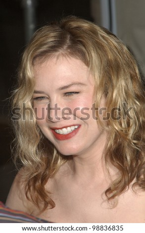 Actress RENEE ZELLWEGER at the Los Angeles premiere of her new movie Cold Mountain. December 7, 2003  Paul Smith / Featureflash