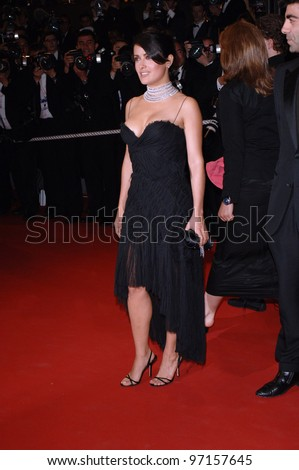 Actress SALMA HAYEK at the gala screening of Sin City at the 58th Annual Film Festival de Cannes. May 18, 2005 Cannes, France.  2005 Paul Smith / Featureflash