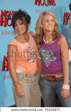 """Actress/singer JAMIE LYNN SPEARS (right)(sister of Britney Spears) & mother JAMIE SPEARS at the Los Angeles premiere of """"Monster House"""". July 17, 2006  Los Angeles, CA  2006 Paul Smith / Featureflash - stock photo"""