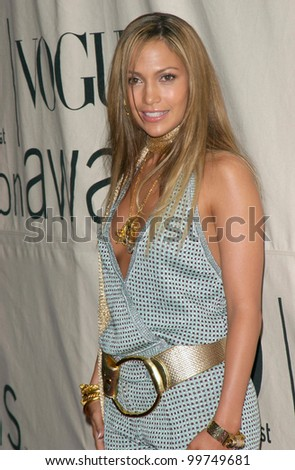 Actress/singer JENNIFER LOPEZ at the VH1/Vogue Fashion Awards in New York. 20OCT2000.  Paul Smith / Featureflash - stock photo
